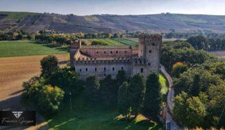 A pochi passi da Tolentino … un castello magico chiamato Il castello La Rancia