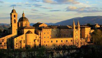 Il centro storico, il Palazzo Ducale… la magia di Urbino